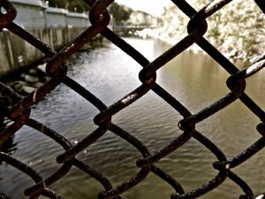 chain-fence-1536292_640